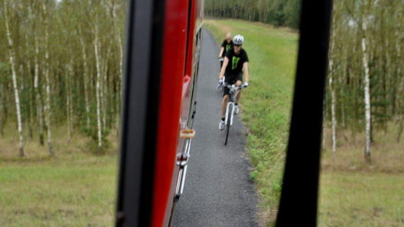 Wyruszyli rowerami szlakiem pożaru z 1992 roku
