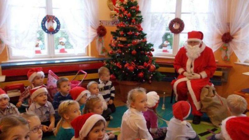 Mikołaj w przedszkolu w Kobyli
