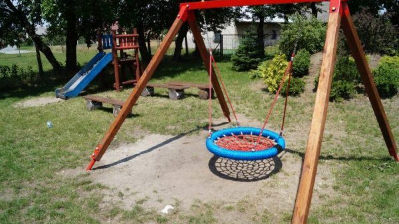 W gminie Nędza doposażają place zabaw