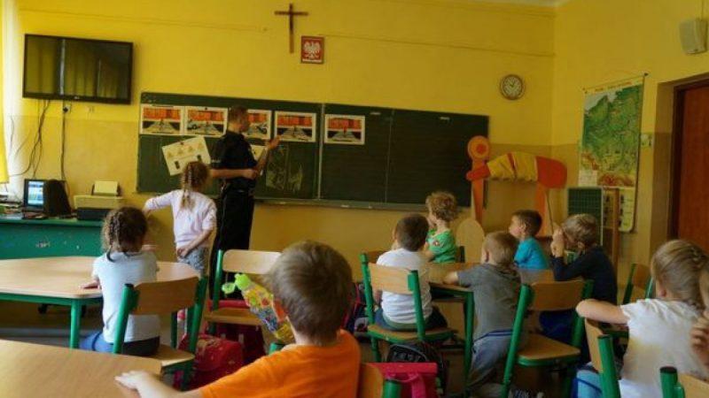 O bezpieczeństwie z uczniami i przedszkolakami