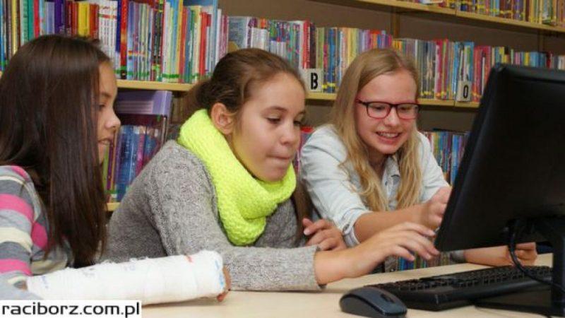 Uczniowie raciborskich szkół programowali roboty