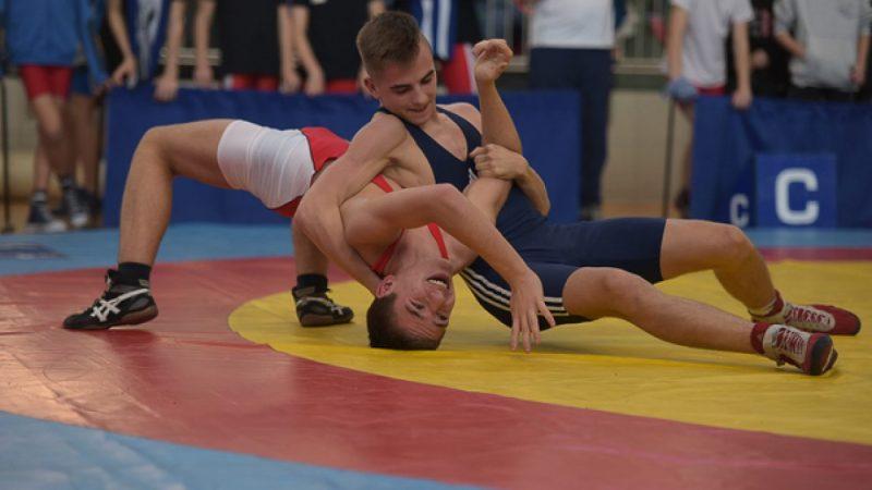 Mistrzostwa Polski Młodzików w zapasach w Arena Rafako
