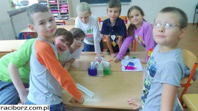 SP4: Eksperymenty młodych miłośników nauki